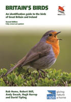 Britain's Birds: An Identification Guide to the Birds of Britain & Ireland: Edition 2